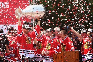 Blackhawks Raise Cup